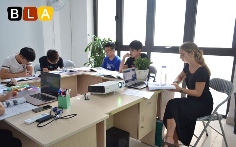Các ứng viên du học nghề học tiếng Đức tại BLA