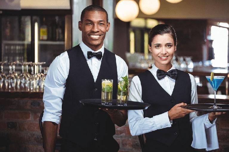 Ngành nhà hàng khách sạn phù hợp với cả nam và nữ và có nhiều cơ hội việc làm tại các tổ chức lớn.