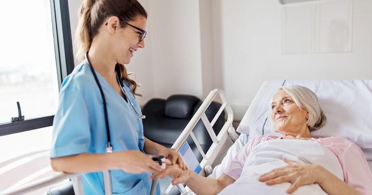 Image result for Đơn xin vào các chương trình điều dưỡng ở Ontario tăng khi các vị trí tuyển dụng tăng lên