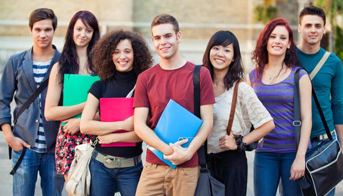 Các kỳ thi cam go luôn mang lại áp lực lớn cho du học sinh
